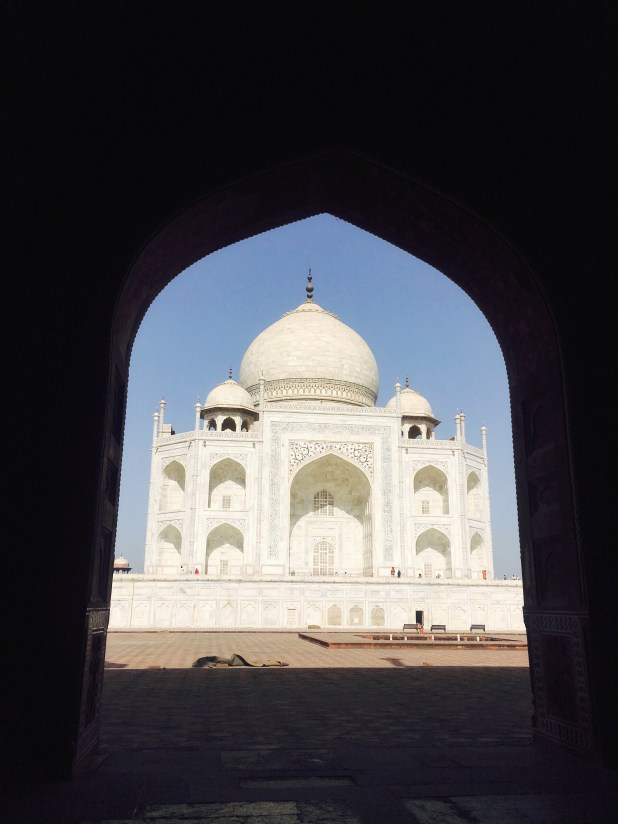 image of taj mahal in agra
