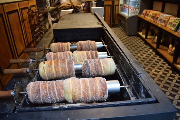 Must try European Delicacies | Making of Trdelník from Prague Czech Republic Europe