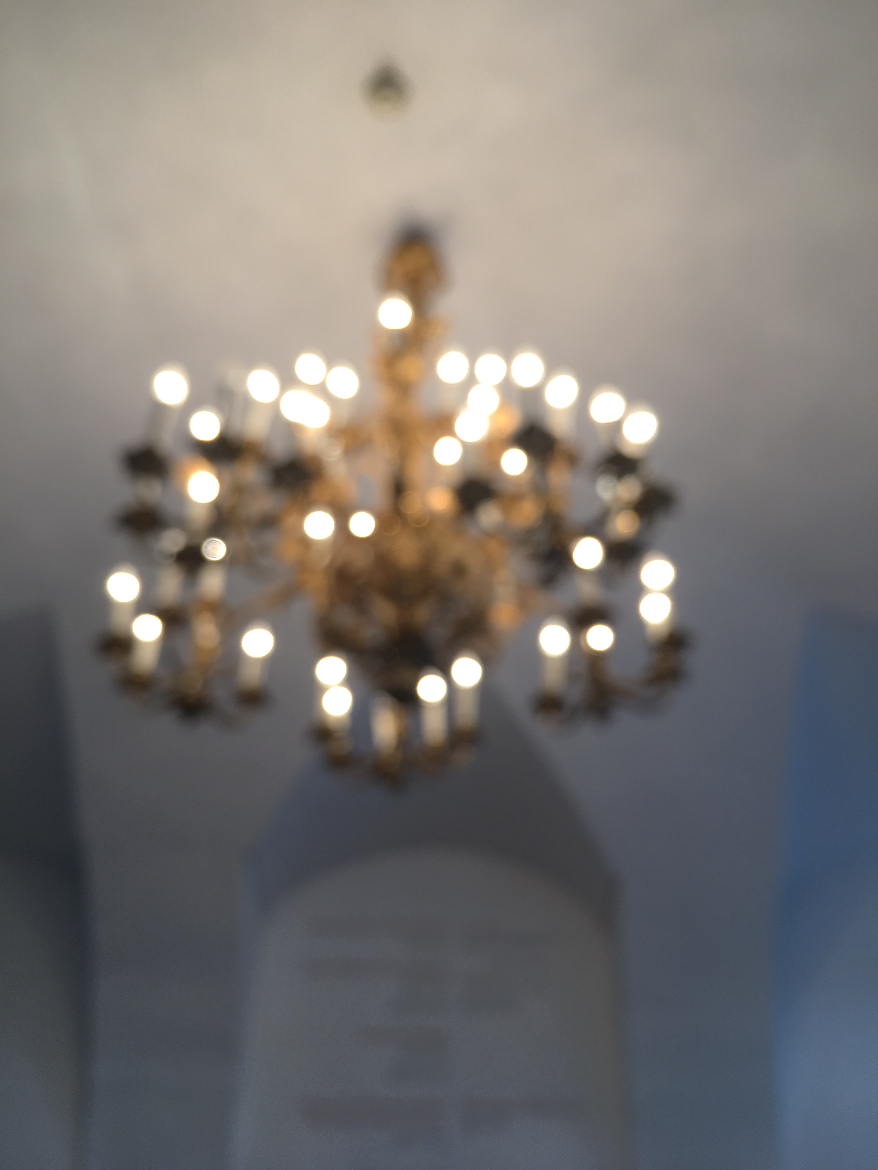 Belvedere-Palace-vienna-austria-europe-museum-chandelier-out-of-focus
