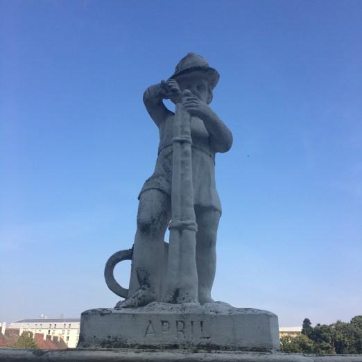 Belvedere-Palace-vienna-austria-europe-museum-garden-angel-sculpture