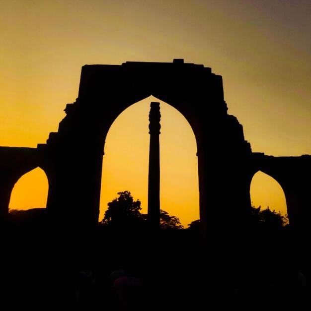 Qutub Minar, Delhi, India || Iron Pillar Delhi silhouette