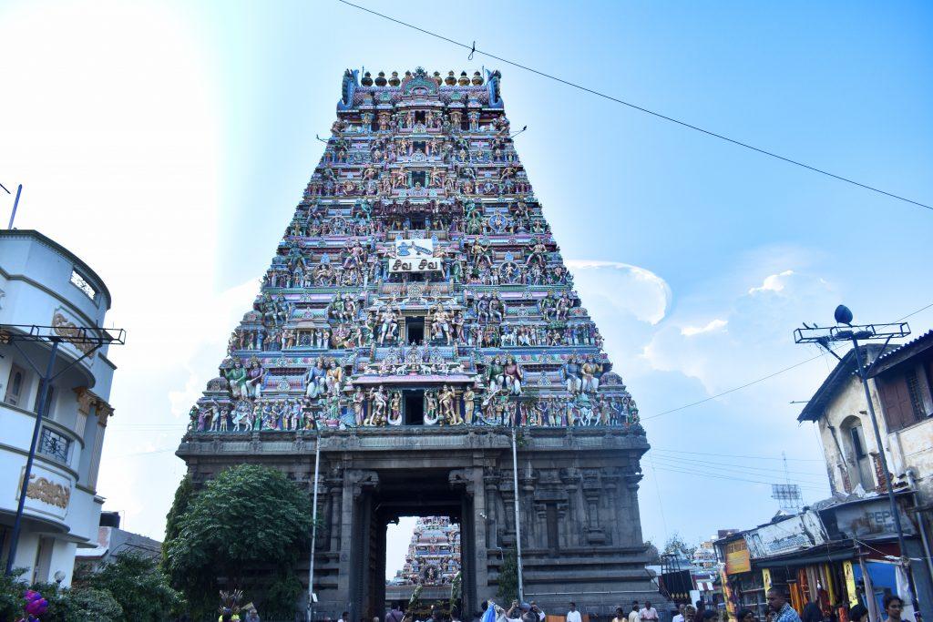 Kapaleeshwarar-temple-outside-1024x683