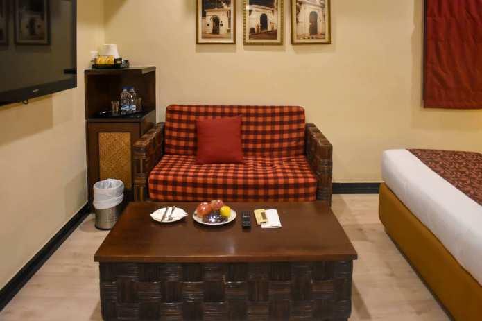 richmond room sofa (1)