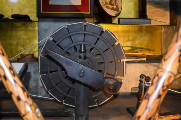 Familiarise with the history of Charkha at The Charkha museum, Delhi
