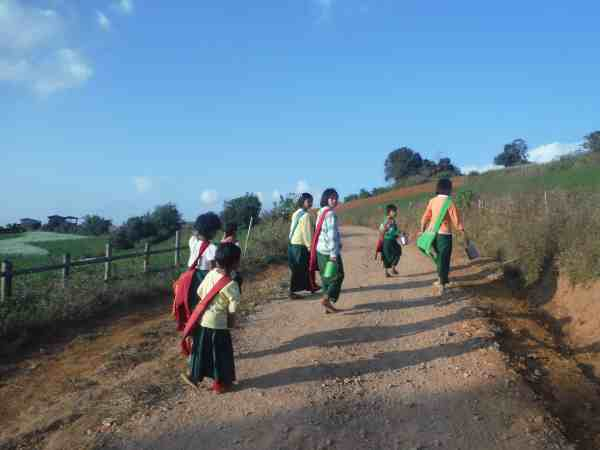 trekking from kalaw to inle lake