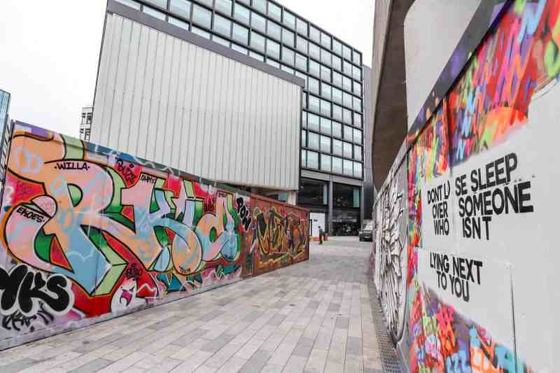 places to go in Shoreditch Holywell Lane Street Art