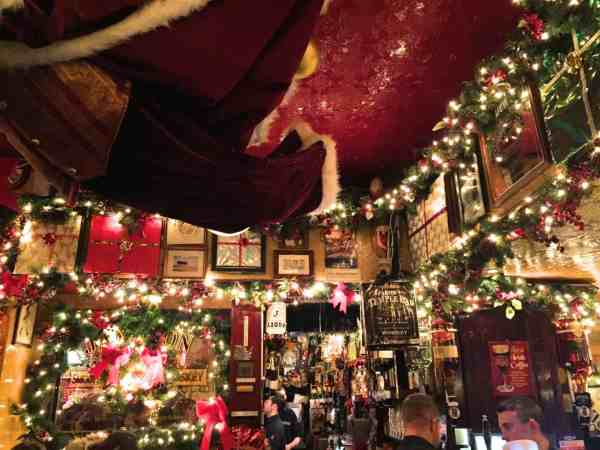 best pubs in Dublin for live music, Temple Bar