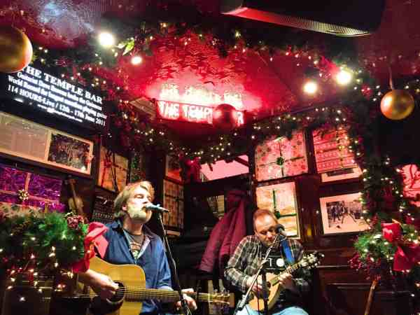 best pubs in Dublin for live music, Live Music at The Temple Bar