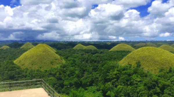 Islands to Visit in the Philippines, chocolate Hills