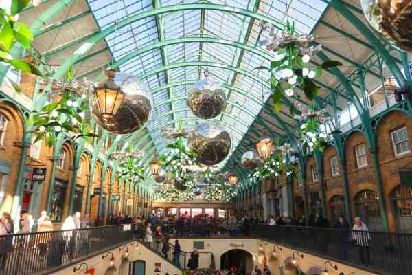 Christmas London Guide Walk covent garden