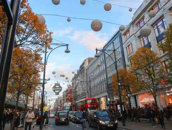 Christmas London Guide Walk oxford street