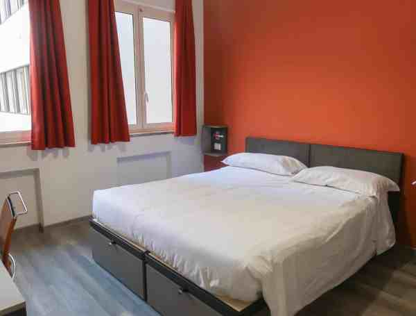RomeHello Hostel Review, The RomeHello Hostel private double room