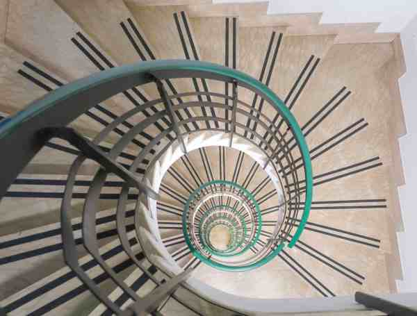 RomeHello Hostel Review, The RomeHello Hostel spiral staircase