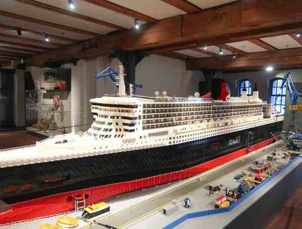 2 days in Hamburg international maritimes museum