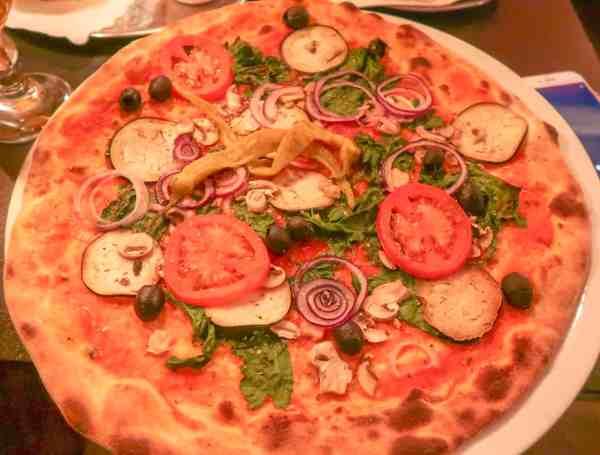 2 Days in Hamburg luijis pizza