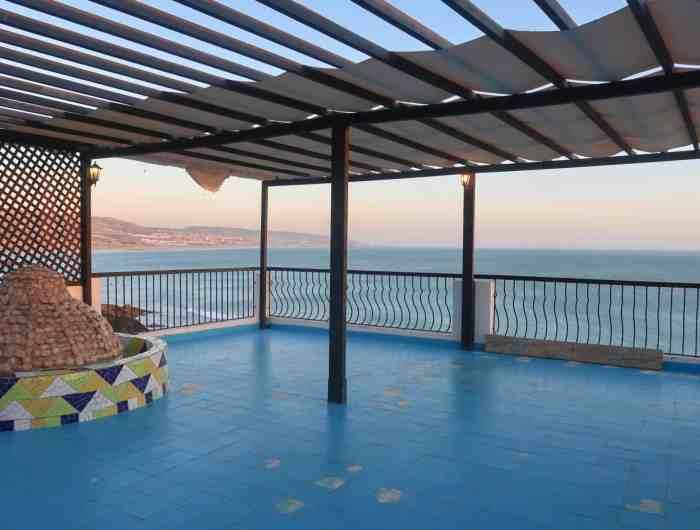 Dfrost Almugar Surf and Yoga House Taghazout Sunrise yoga