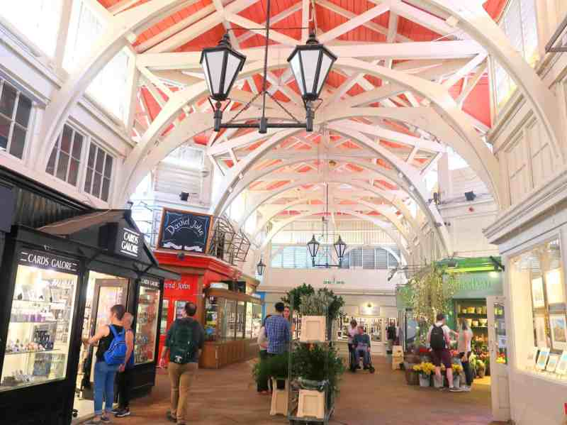 Day Trip to Oxford from London, covered market