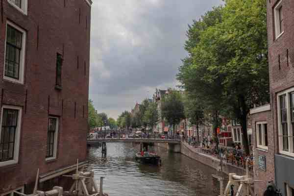 Amsterdam Central to Rijksmuseum, Amsterdam zeedijk