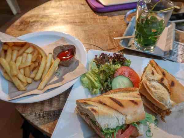 Stayokay Amsterdam Vondelpark Review, lunch