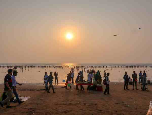 things to do in mumbai juhu beach