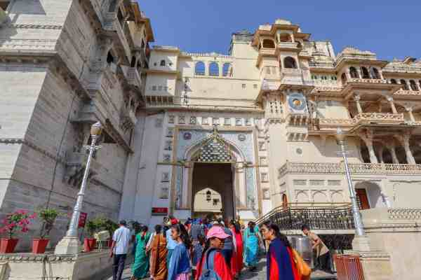 Udaipur City Palace crowds