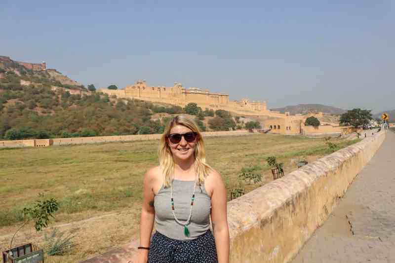 ellie quinn in grey tank top in jaipur fort
