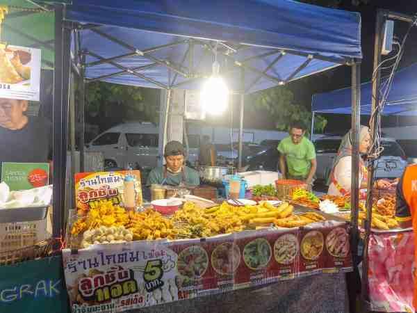visiting koh samui on a budget Friday night market