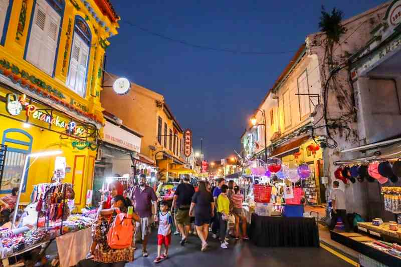 things to do in Melaka Malaysia, jonker night market