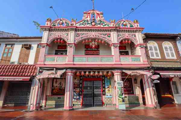 things to do in Melaka Malaysia jonker walk shop