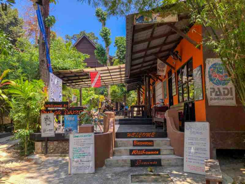 Perhentian Islands Accommodation, best dive schools perhentian islands ombak dive resort