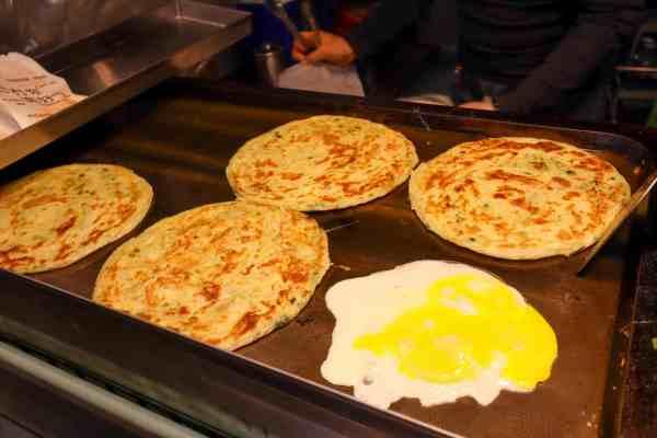 vegetarian food taiwan night markets egg pancake