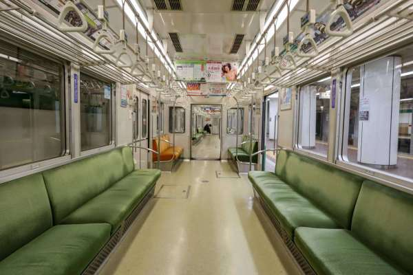 things to do in kobe, Kobe Subway Train getting from the airport