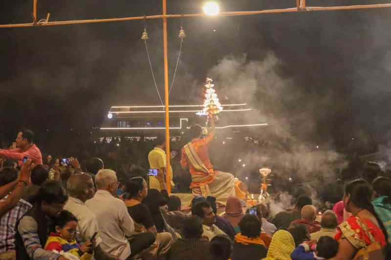 evening aarti ceremony in Varanasi | 2 week India itinerary