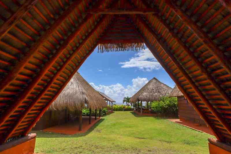 dominica day tours, kalinago centre dominica traditional houses