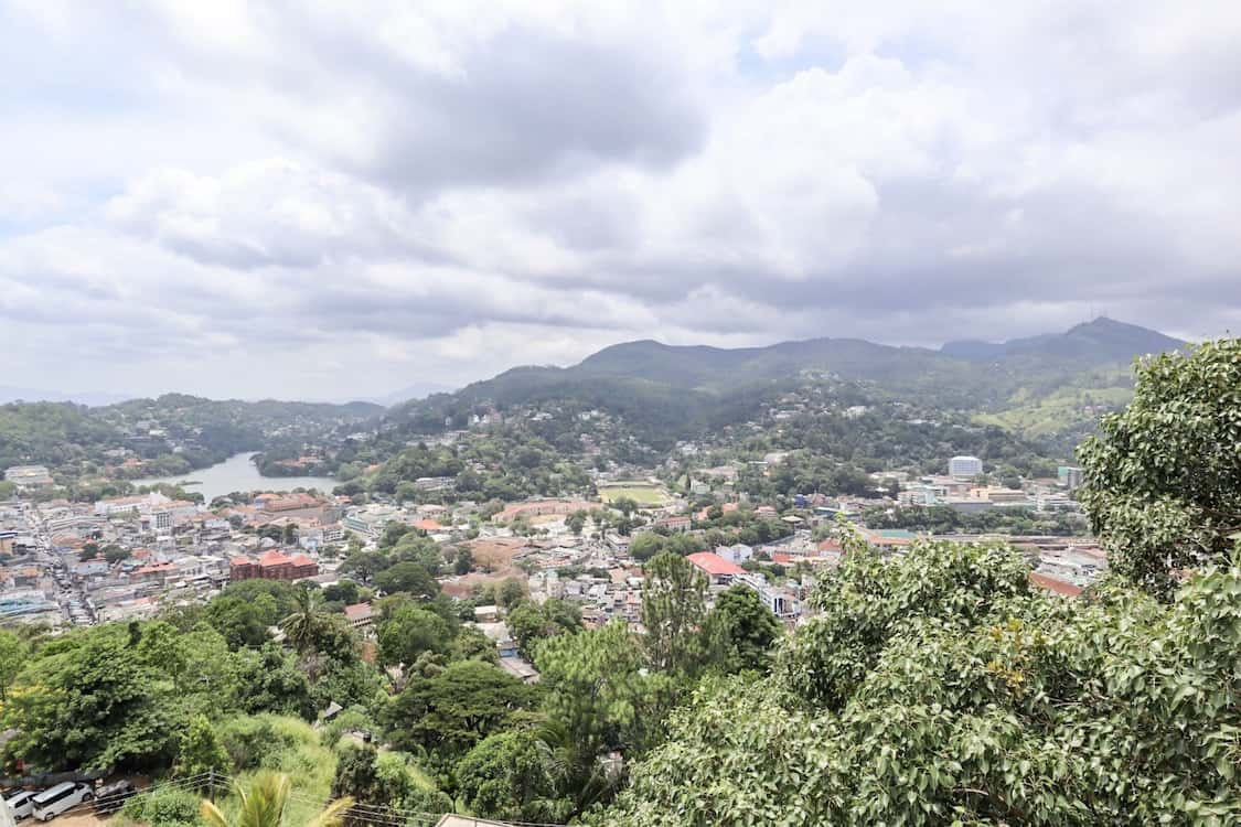 places to visit in Sri Lanka on first trip, view over Kandy with cloud and lake