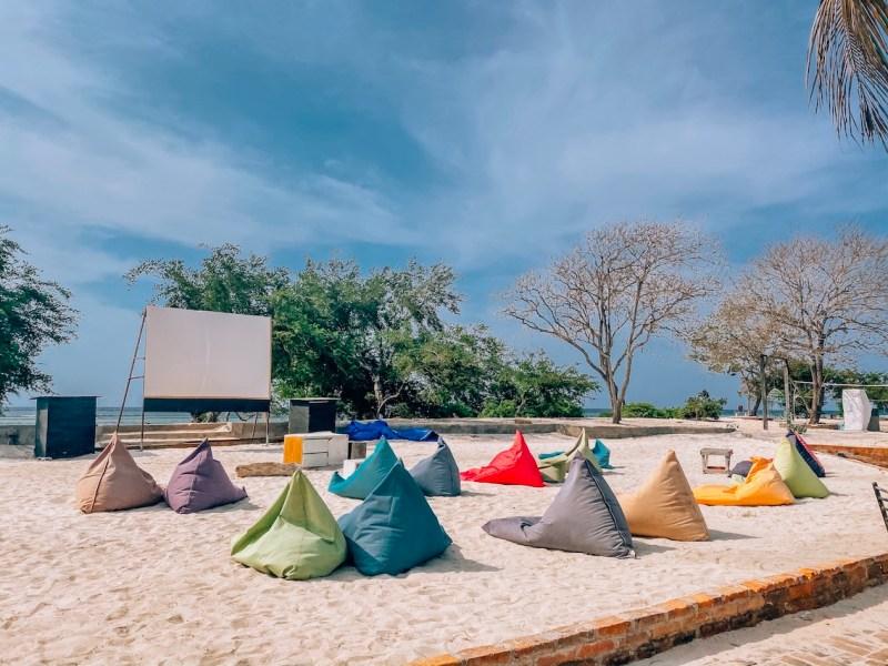 things to do in Gili Trawangan, cinema on the beach in Gili Trawangan