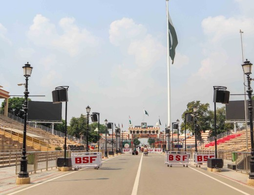 Crossing Wagah Border India Pakistan on foot