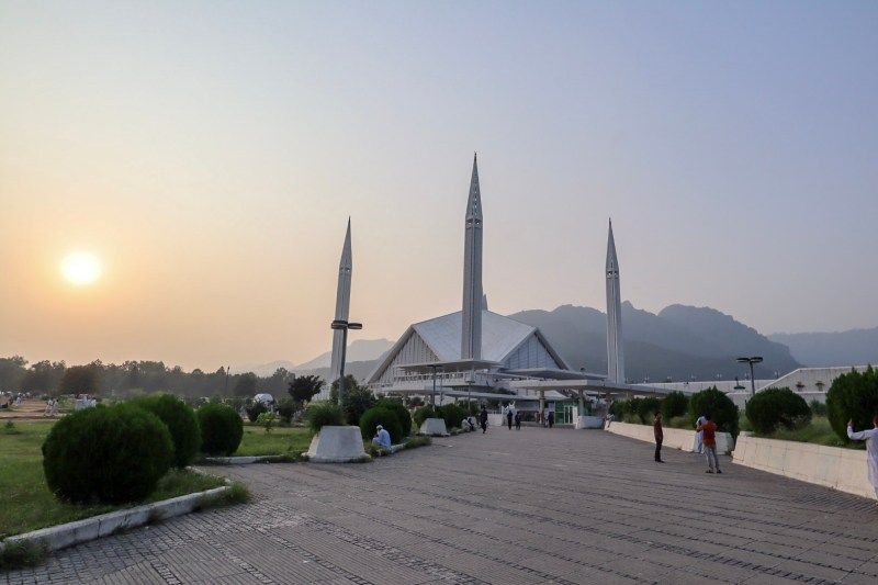 Faisal Mosque Islamabad sunset | Pakistan itinerary