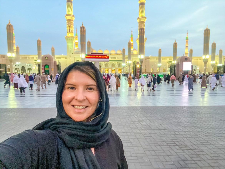 what to wear in Saudi Arabia as a woman Ellie quinn in Medina Saudi Arabia
