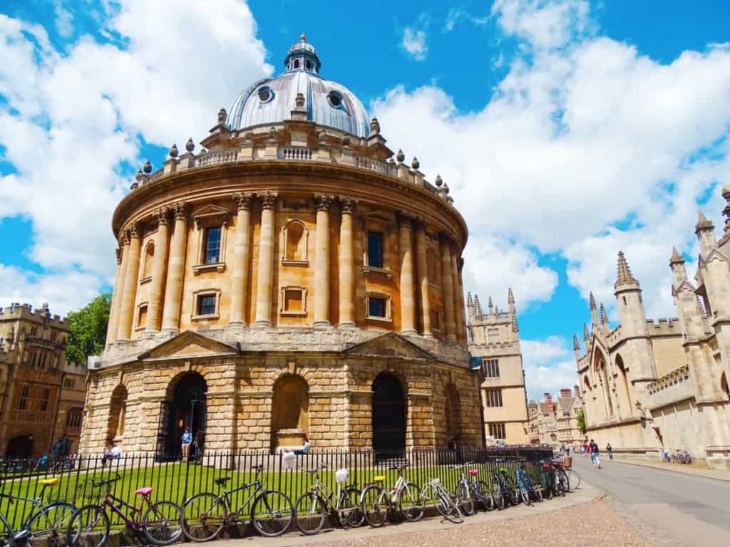 Oxford Building Blue Sky Day | Day trips from London by Train