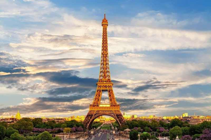 Paris Eiffel Tower at Sunset | paris day trip from London by train