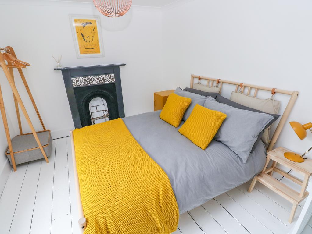 5 Park Place Tenby Double Bedroom