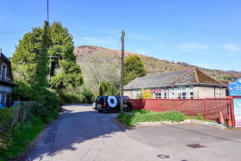 primary school in Taffs wells, Garth Mountain Walk