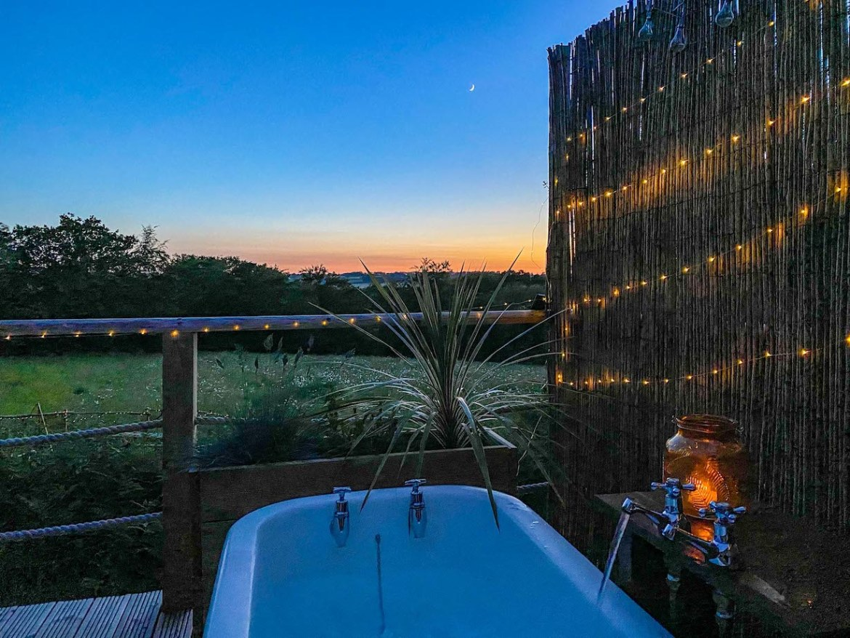 Royal Oak Farm Devon Cabins Outdoor Bath sunset