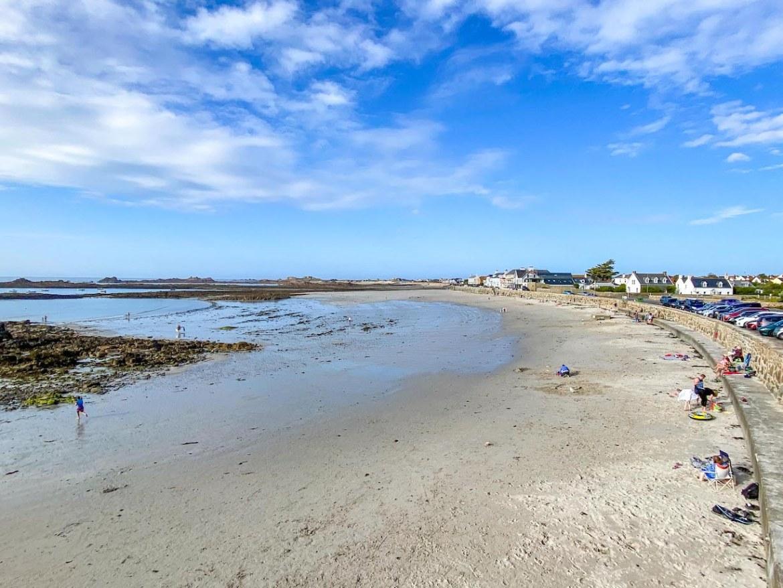 Guernsey itinerary, Cobo bay beach