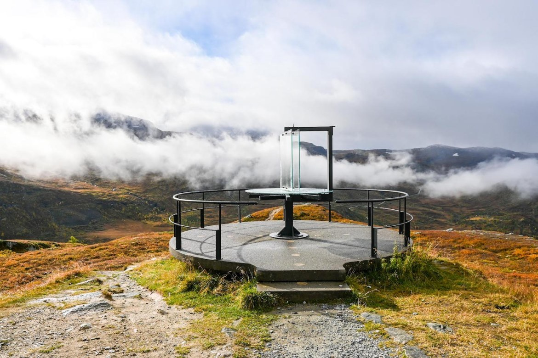 Bergen to Alesund, Nedre Oscarshaug Viewpoint