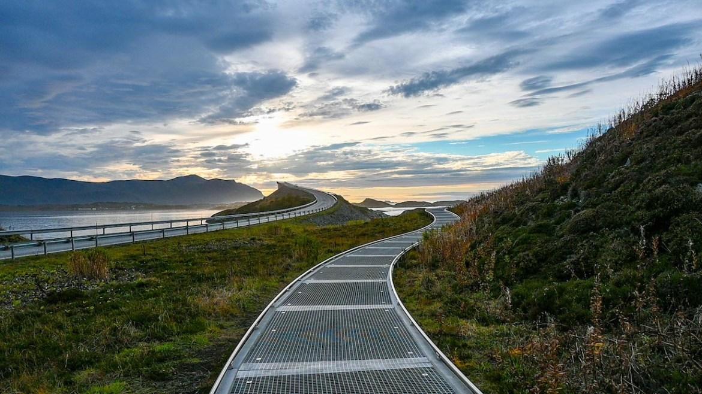 Atlantic Ocean Road Norway, walkway