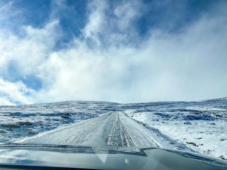 Norway road trip, snowy roads in Jotunheimen National Park
