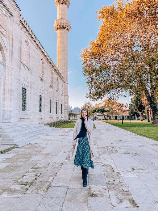 What to wear in Istanbul, wearing covering clothes