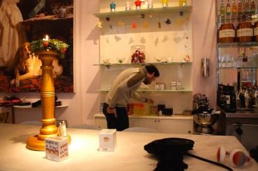 Andrea fruga nello shop